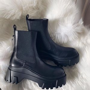 NWT Zara Leather Ankle Boots Wit Lug Soles size 10